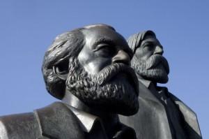 Ramsauer-will-Marx-Engels-Denkmal-aus-Berlins-Mitte-verbannen[1]