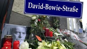 david-bowie-str-petition_1452599577-1024x576[1]